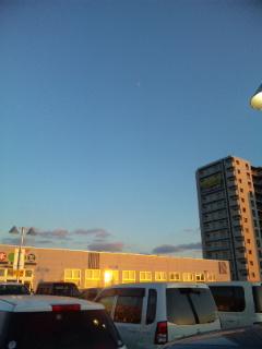 建物に反射するヒカリ