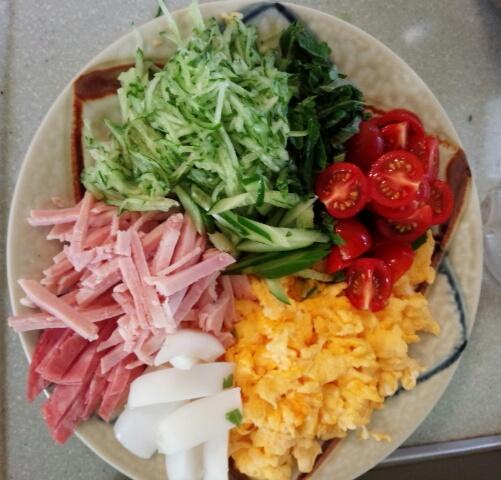 お昼ご飯準備